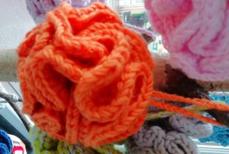 Read more about the article Comment faire une fleur de douche au crochet ?